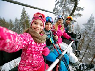 Wyjeżdżasz na ferie narciarskie z rodziną? Zadbaj o odpowiednie ubezpieczenie!