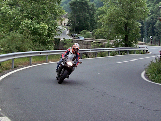 Motocyklista też człowiek