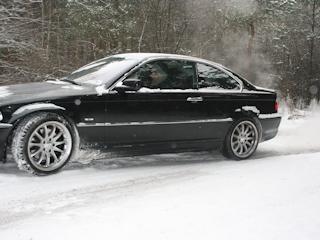 Jak przygotować auto do jazdy zimą