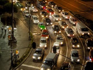 Jak powstają korki na drogach?