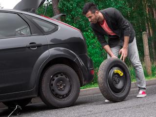 Jak wymienić koło w samochodzie?