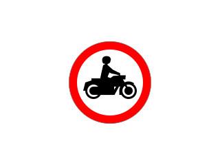 B-4: zakaz wjazdu motocykli